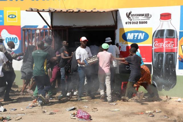 soweto-looting.jpg