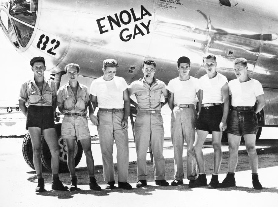 world-war-ii-enola-gay-granger.jpg