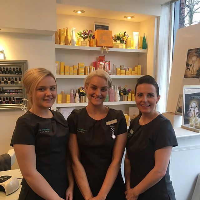 Say hello to the fabulous beauty team @arkhairandtheretreat in #urmston who have officially kicked off our #makeoveramillion  campaign 🎊 ... treat yourself to one of the best Decleor treatments you'll ever get ! Details on @hopeandstoryuk page and on our website in Brand Friends ___________________  #makeoveramillion #buyonefeedone #beautysalon #massage #decleor #facial #urmston #manchester #treatyourself #pamperyourself #makeadifference #instagood #instabeauty #instadaily