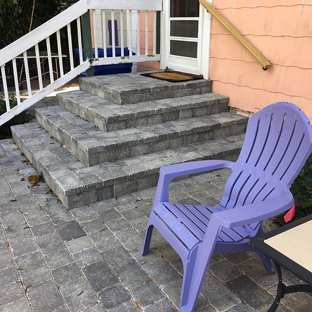 We love you rumbled grey/char pavers! You add so much appeal to a backyard. #FlagstonePavers #Brooksville #manufacturedinamerica #Pavers #pavertraders #welivewhereyouvacay #PavingCompany #Workhardplayhard #downtownstpetersburg #StPetersburg #Weloveourcustomers