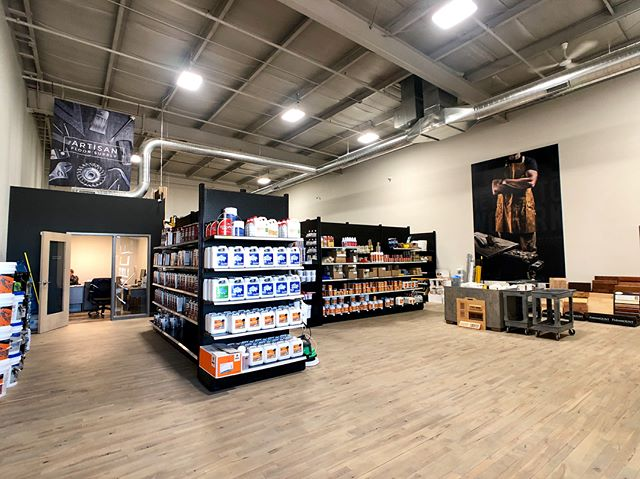 Store views🙌 • • • • #flooring #diyflooring #hardwoodfloors #carpet #tile #tools #professional #flooringsupplies #toolrepair #artisan #craftsman #designinspiration #floorinstall #sandandfinish #flooringinsallation #flooringcontractor #flooringsupply #floorstore #homerenovation #fixerupper #flooringdesign #homeimprovement #DIY #milwaukee #waukesha #floorlife #remodelingideas #artisanfloorsupply