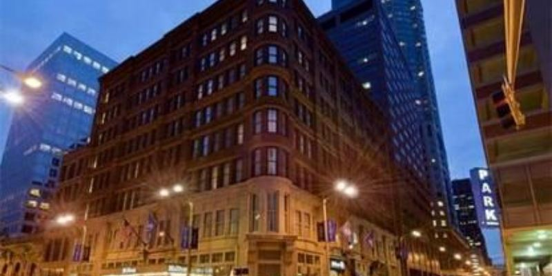 Hilton St. Louis Downtown   St. Louis, MO | 4 Star | 195 Rooms | Status: EXITED