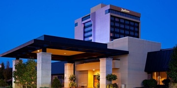 Radisson Hotel Cincinnati   Cincinnati, OH | 3 Star | 350 Rooms | Status: EXITED