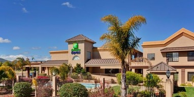 Holiday Inn Express Lompoc - 1417 North h street, Lompoc, ca, 93436(805) 736-2391    info@marquishotelsgroup.comNestled in the Santa Rita Hills of California's Central Coast, Lompoc is a place set apart by its abundant flower fields, beautiful murals, an historic mission and thriving vineyards. Whether you're here for business or pleasure, you'll enjoy your stay.