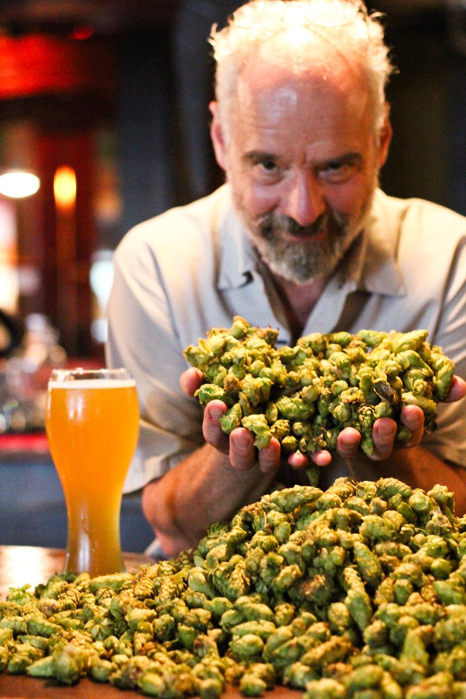 Brewer John - Hops