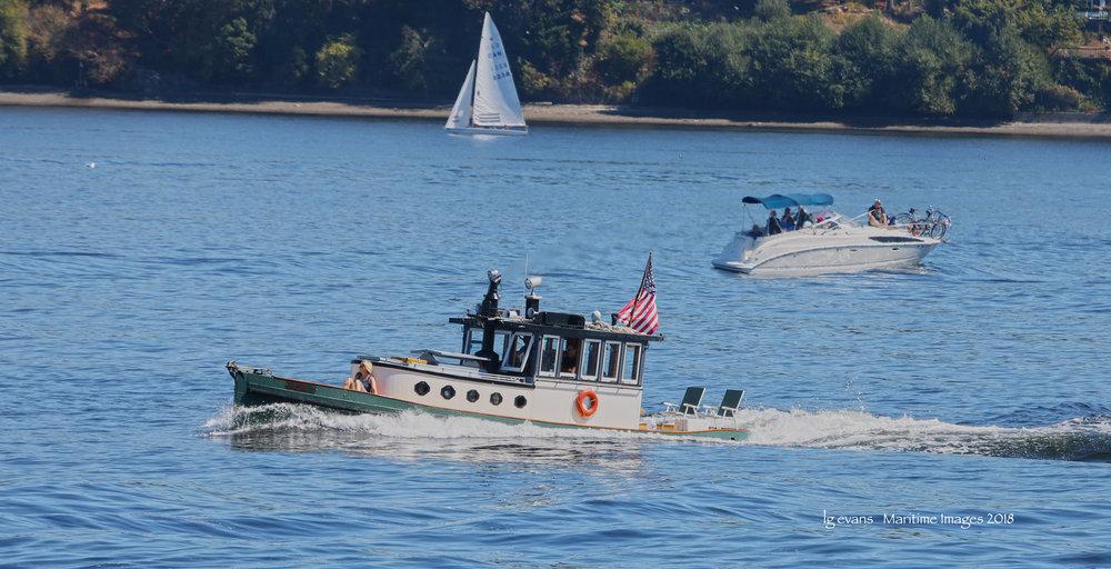 Tug DANNI K racing at Olympia Harbor Days 2018 c LG Evans Maritime Images