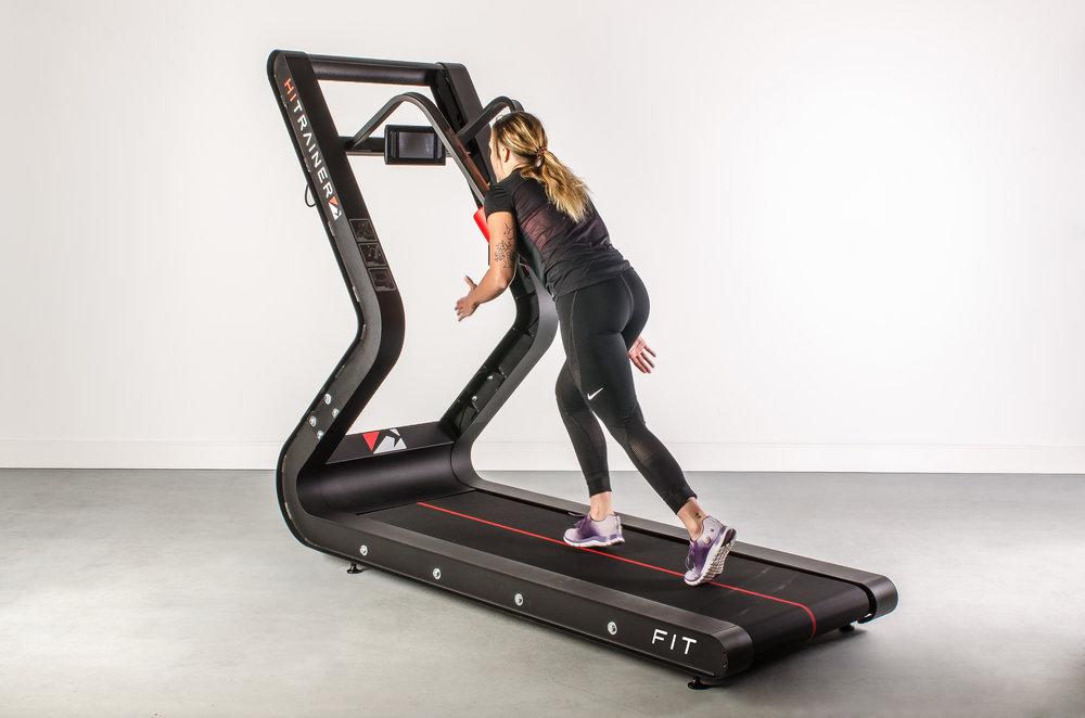 Entraînement sled - Le développement de la masse musculaire est un élément essentiel de tout programme d'entraînement, surtout lorsque le but est la composition corporelle. La recherche montre que sprinter contre une résistance fournit suffisamment de surcharge pour stimuler une augmentation de la masse et maintient le taux métabolique durant la perte de graisse.