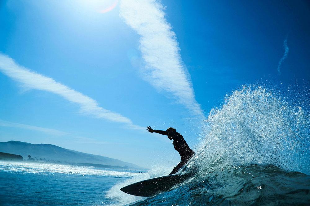 SHREDDING LIMITS - PRO SURFER TIA BLANCO