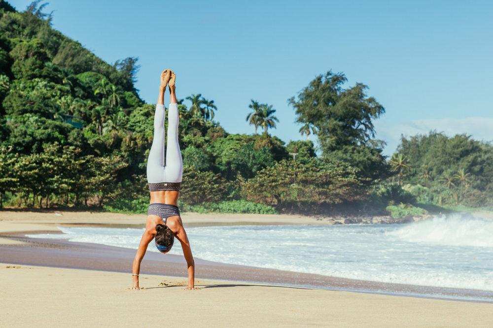Marla-Handstand--Photo-Ikaika-Pidot.jpg