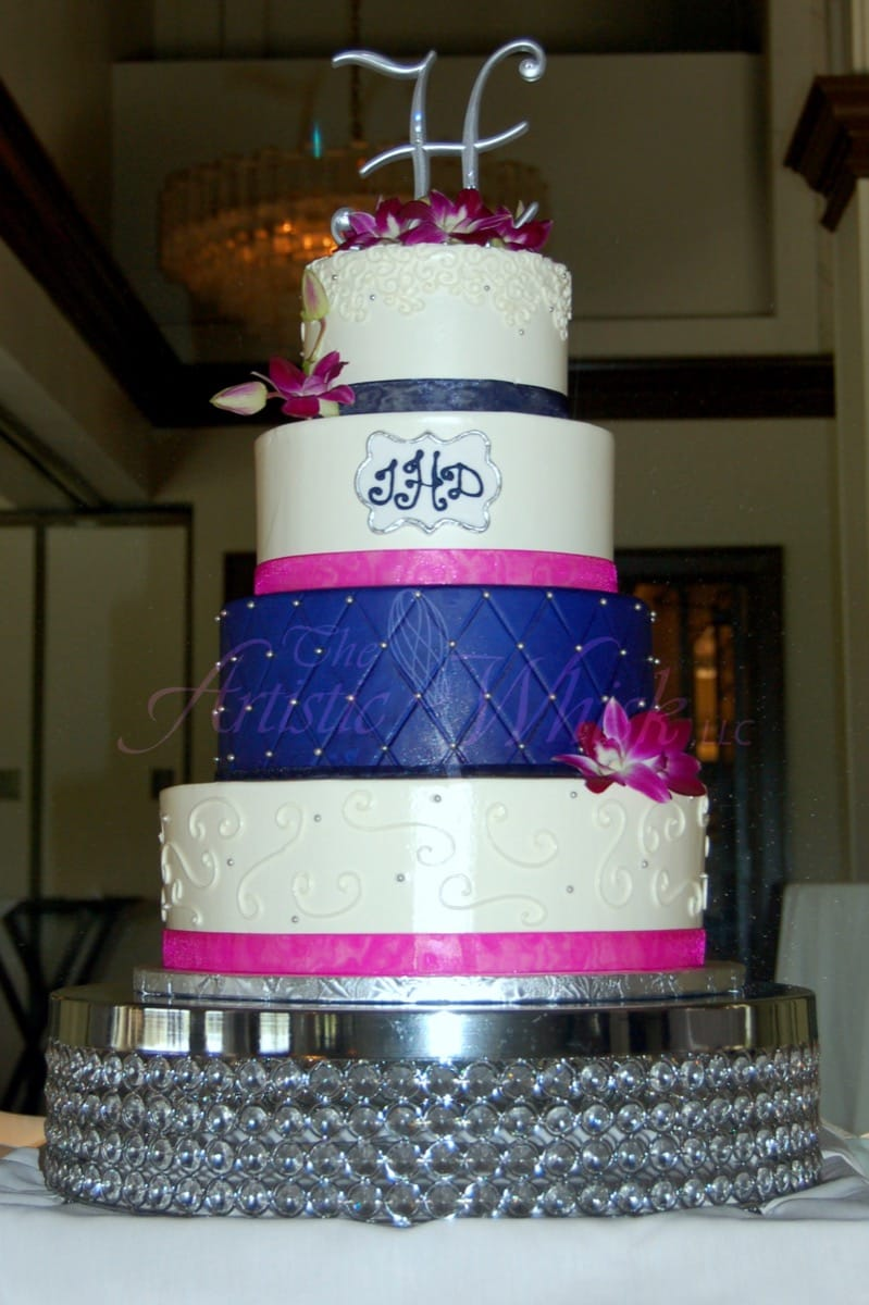 fuschia-and-navy---buttercream-and-fondant-11-40-35-069-io.jpg
