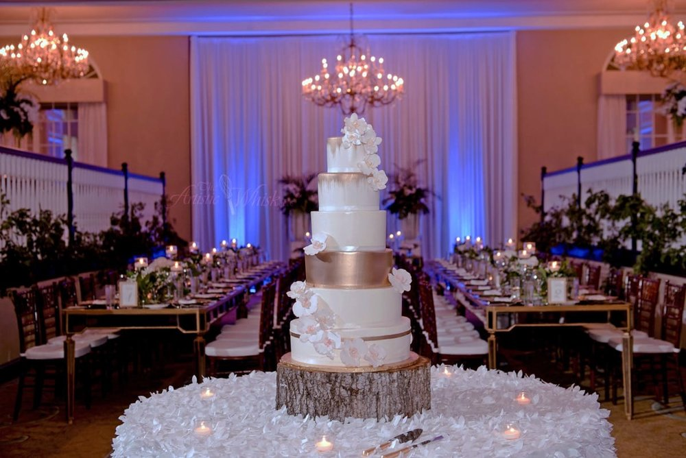 frances&markham---don-cesar---top-2-tiers,-fondant---bottom-4-tiers,-buttercream---sugar-orchids---botanica-florist---marc-edwards-photography-11-40-35-679-io.jpg