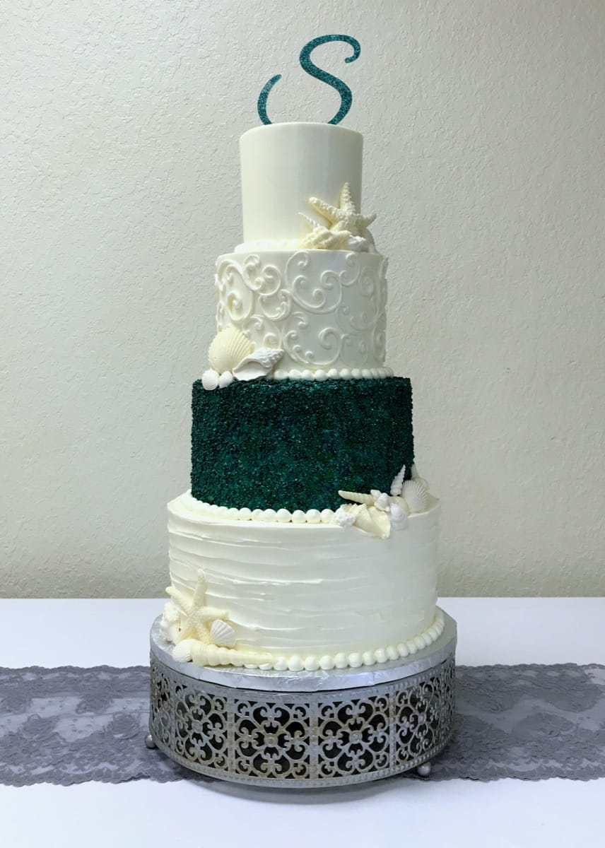 teal-sparkles---buttercream---edible-shells---tropical-08-05-57-292-io.jpg