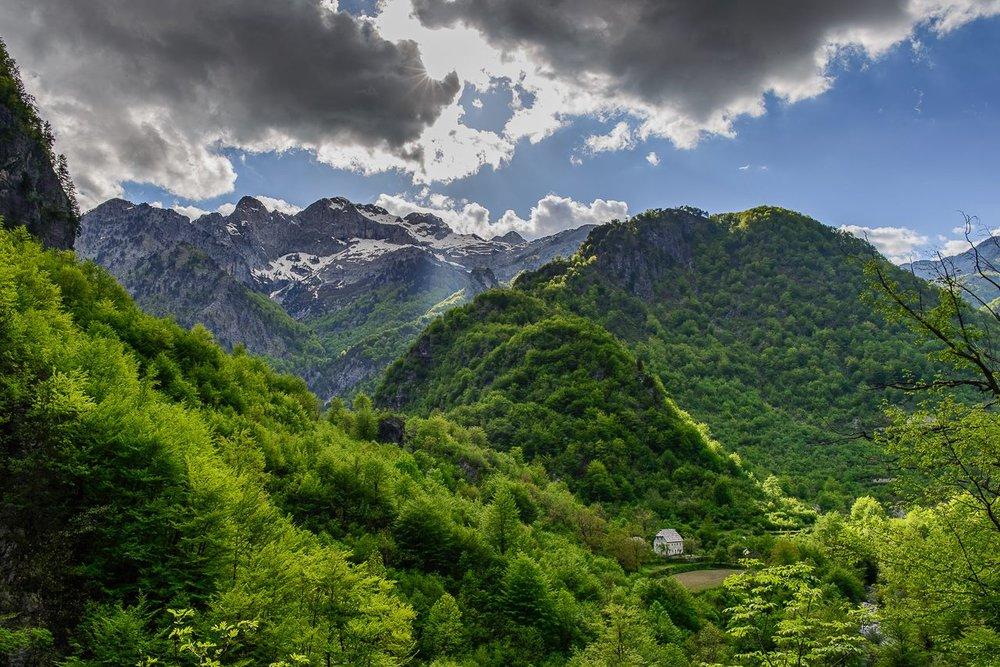 Albania Trekking accursed 2.jpg