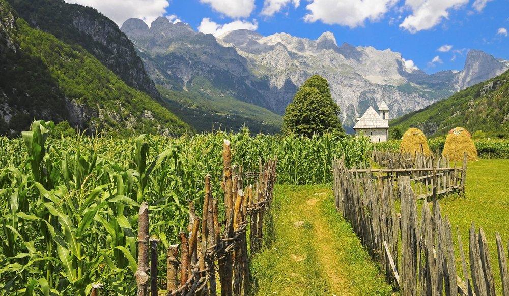 Albania Trekking accursed.jpg