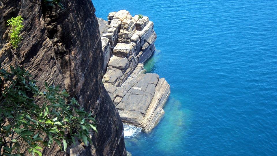 Sri Lanka Nature Trincomale.jpg