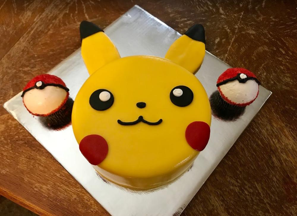 pikachu and pokemon balls cc.png