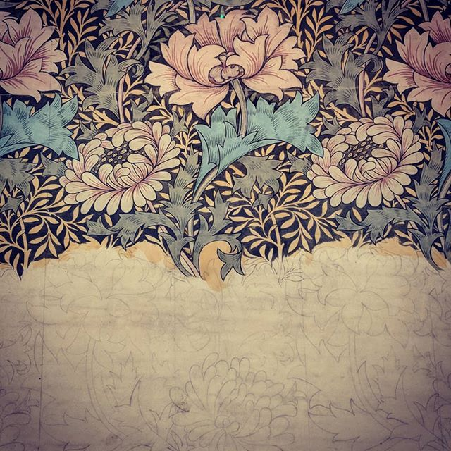 William Morris 🖤... I match the drapes...#williammorris #pattern