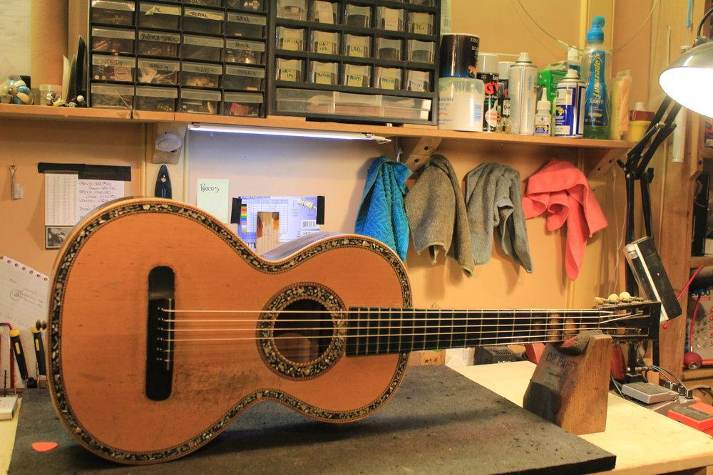 1800's Parlour guitar