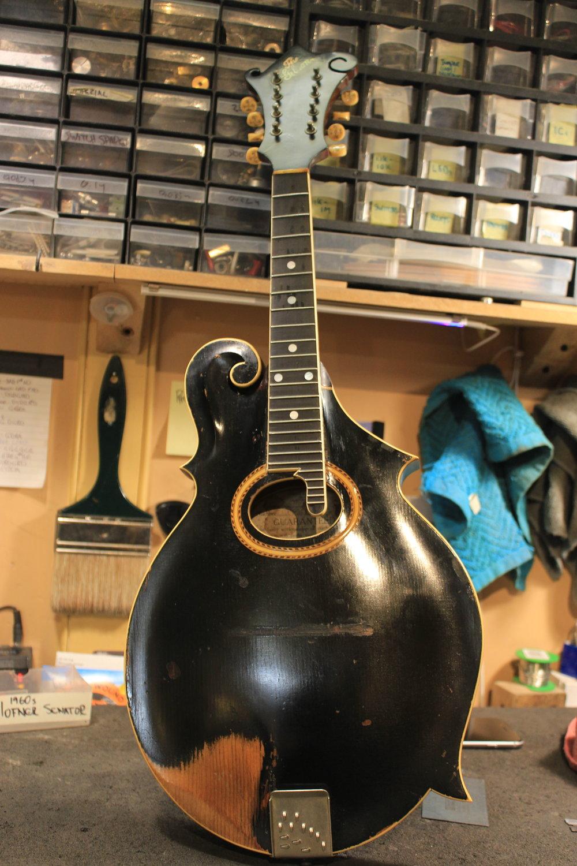 1920's Gibson F-style mandolin