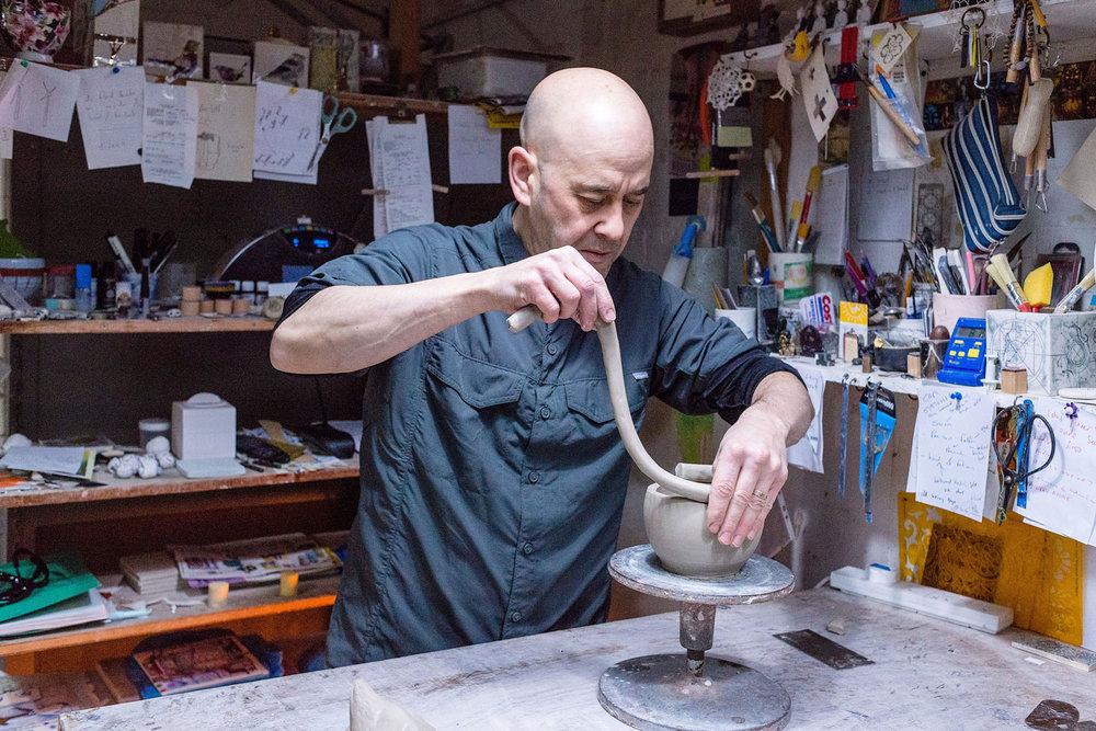 lee-page-hanson-ceramics-coiling-a-ceramic-vase.jpg
