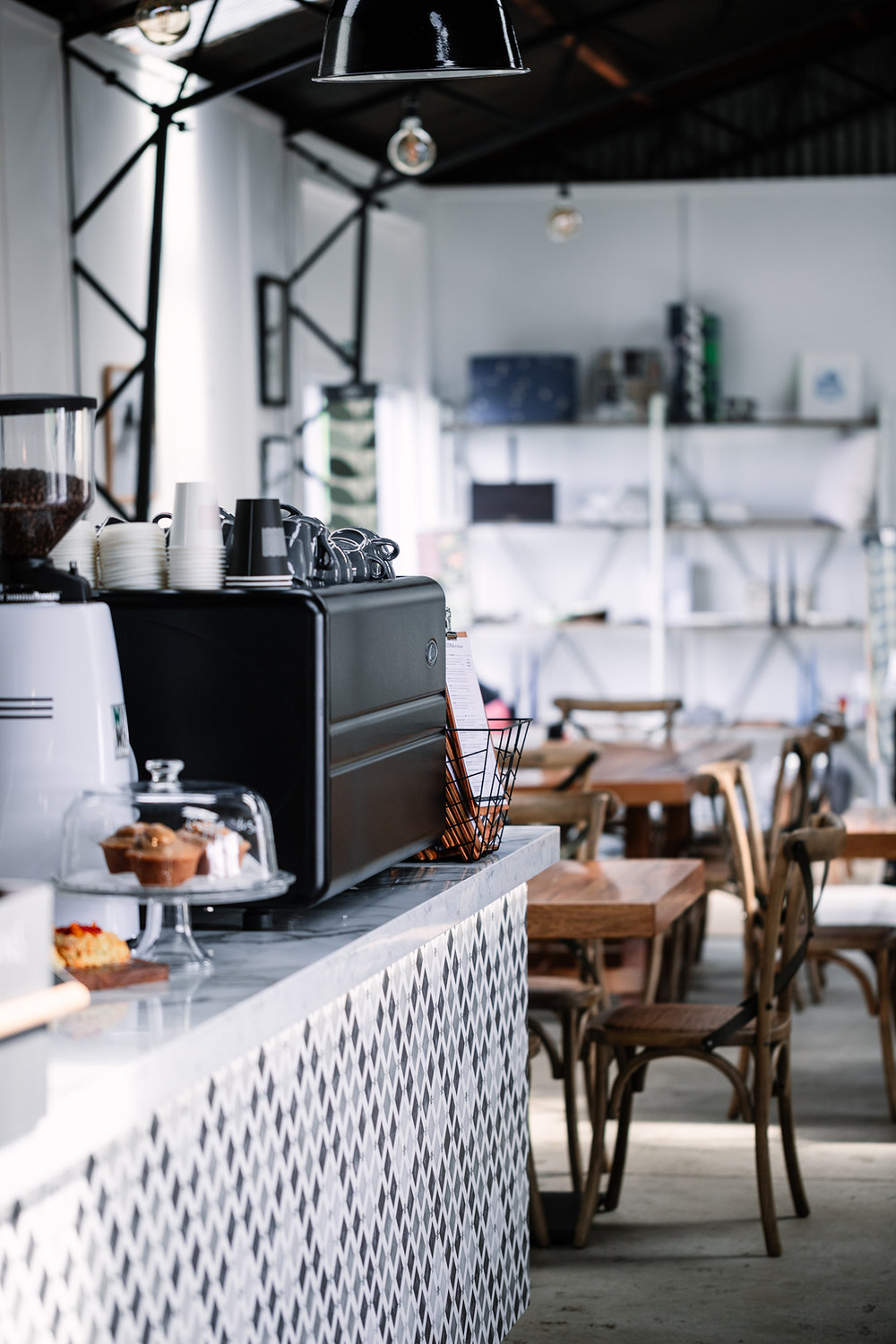 MOOMAA CAFE & DESIGN STORE