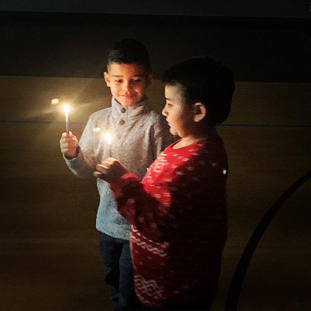 #candlelight #nochedepaz #nochebuena #luzdecristo #iglesiaelverbo #ogdenutah #amistad