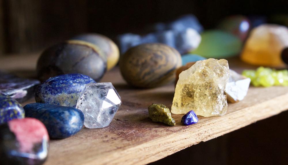gemstone organic crystal healing