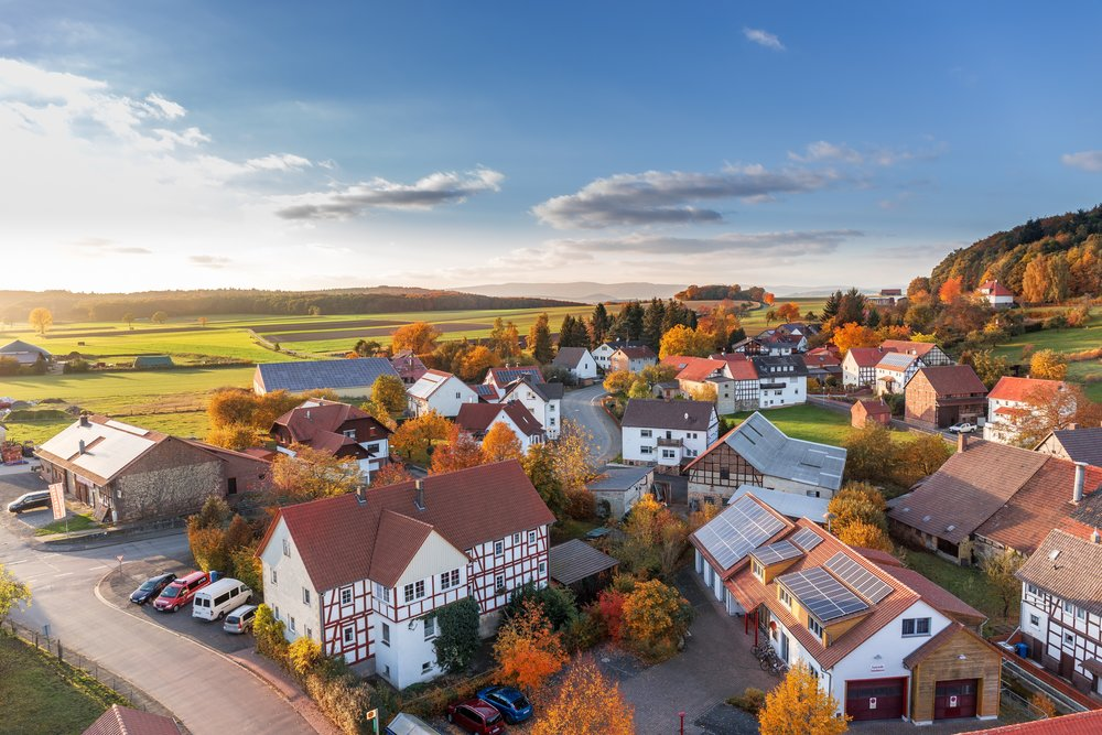 uwm.newhome.aerial-view-architecture-autumn-280221.jpg