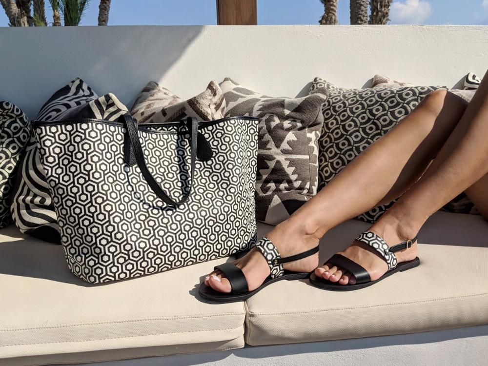 uwm.GifGuide.2018.Alasia Lifestyle x MISCHA Tote & Sandals - Classic Black.jpg