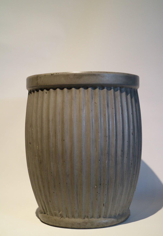 LRG Concrete 'Corrugated' Pots