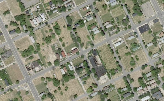 structurehub_detroit-vacant-lots-abandoned-homes1_2012-03-07.png