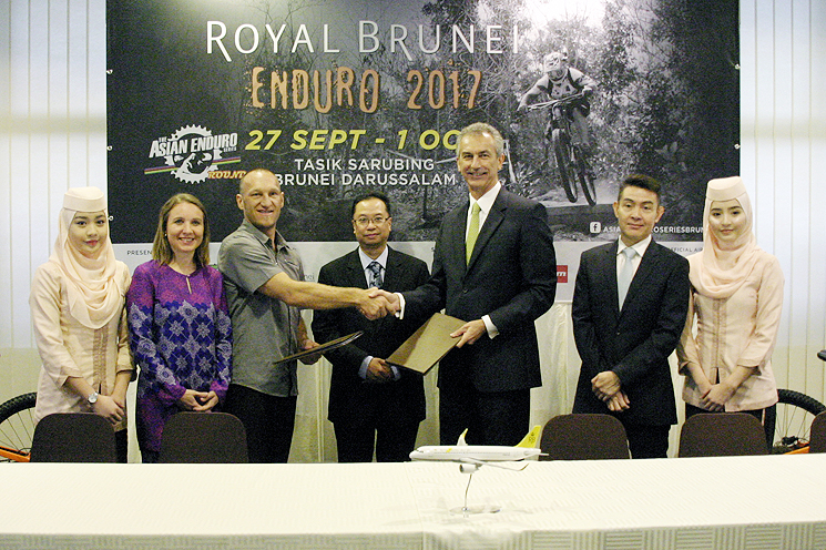 ENDURO BRUNEI TEAM.jpg