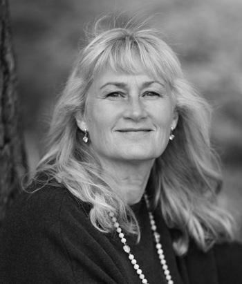 EVA SANNER   Dipl. Psykosyntesterapeut, Ecoterapeut, parterapeut, författare  Handledare terapeututbildningen.  Verksam som terapeut och handledare med egen mottagning.  Läs mer på  www.evasanner.se
