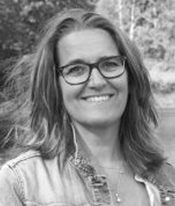 ANN-CHRISTINE G. KJELLGREN   Dipl. Psykosyntesterapeut  Studierektor och lärare kurser och utbildningar.  Verksam som terapeut med egen mottagning.  Läs mer på  www.samtalochreflektion.se