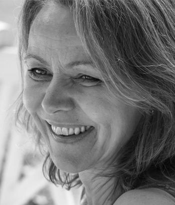 AMEYO BARFRED-DIXON   Cand.phil.  Integrative Transpersonal Psychotherapist, handledare  Lärare och handledare terapeut-utbildningen.  Verksam som terapeut och handledare i Danmark.  Läs mer på  www.in-relation.eu