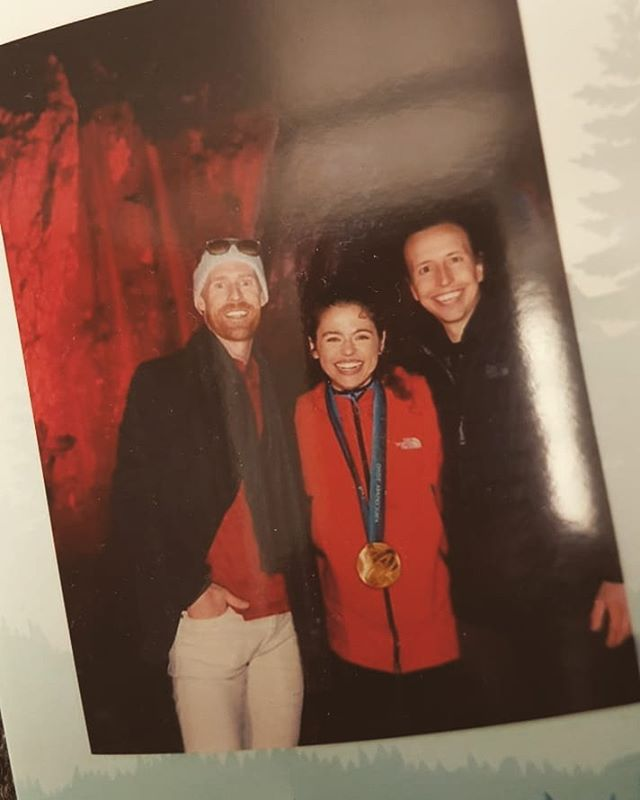We missed #tbt 😭 but still throwing back to this moment with Jon Montgomery chilling with Magic Mirror Squamish #goldmedal #olympics 🏅🏅