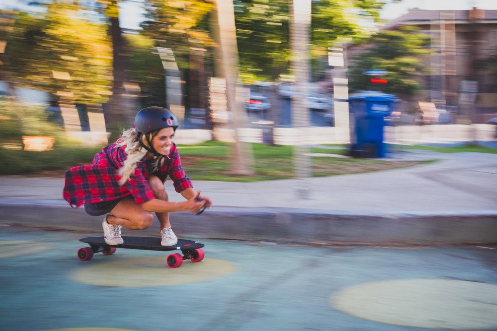 rollr-app-inboard-electric-skateboard-rental-rollr-app-santa-monica.jpg