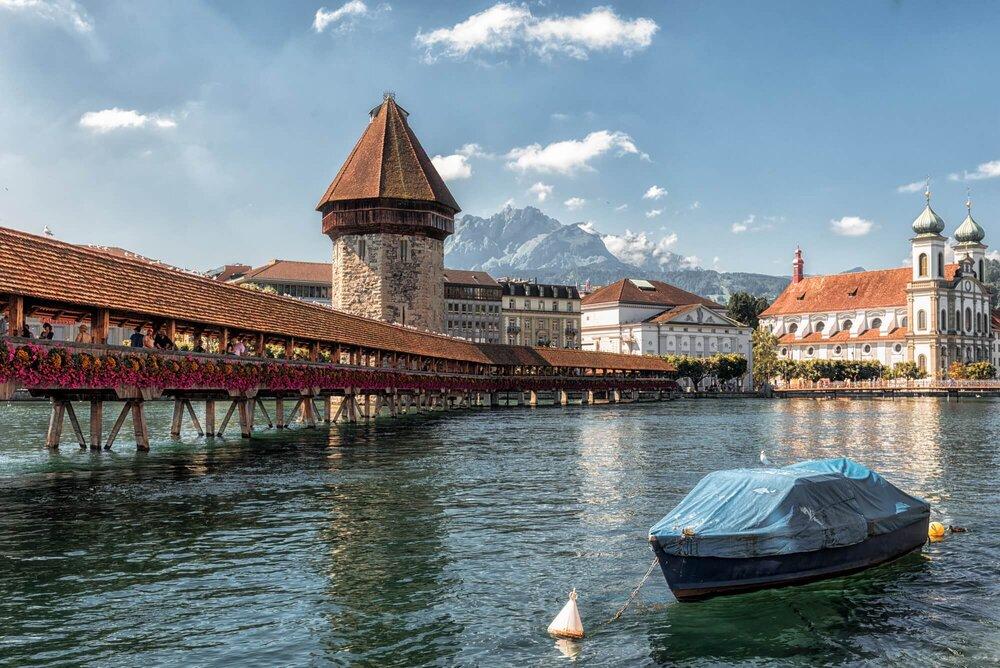 Chapel Bridge, Swiss גשר הפרחים, שוויץ