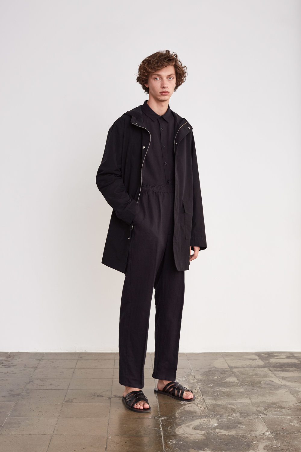 <b>8</b><br>Dylan Cotton/Nylon Jacket<br>Victor Herringbone Shirt<br>Felix Herringbone Pants