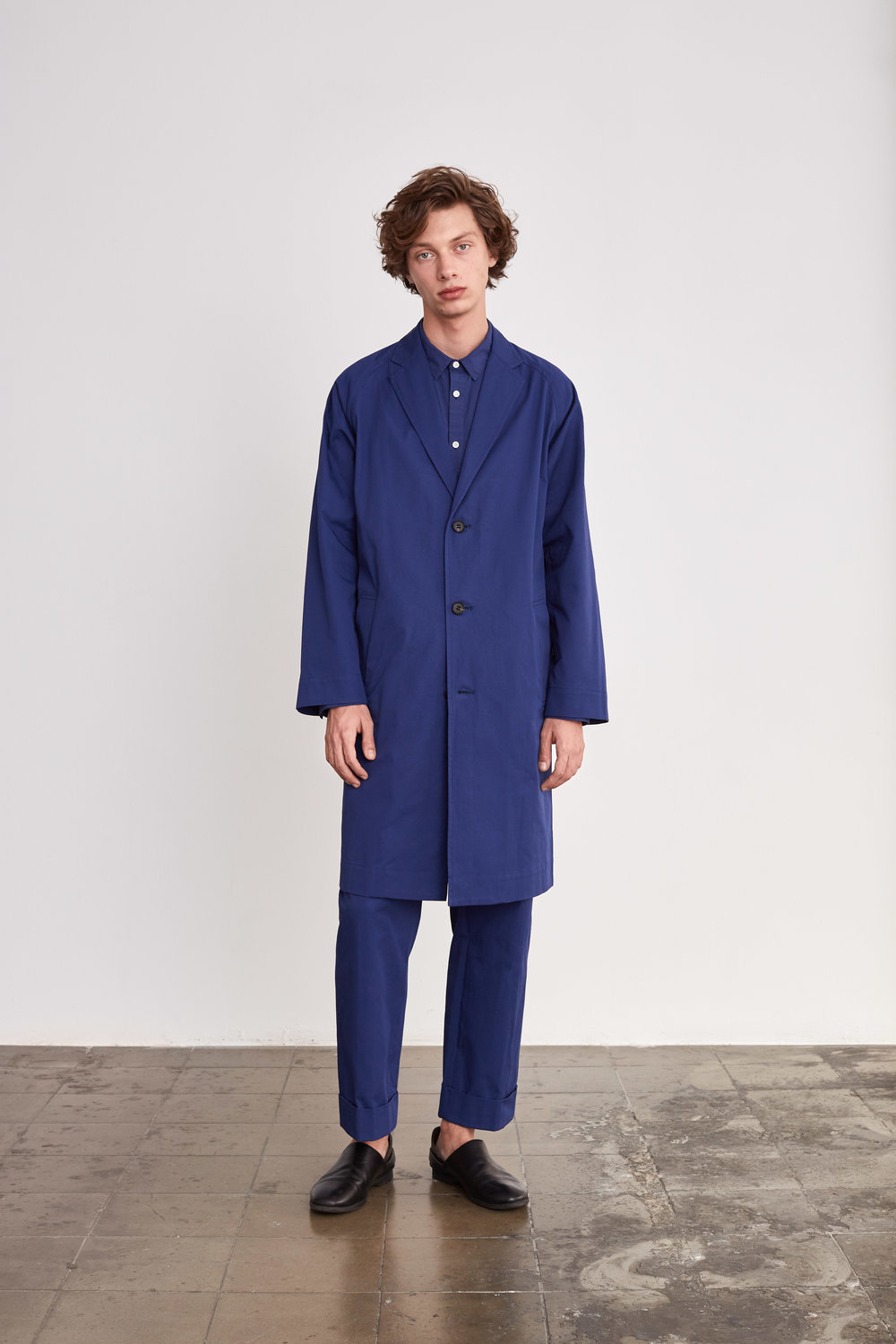 <b>5</b><br>Victor Typewriter Shirt<br>Austin Cotton Pants<br>Donald Cotton Coat