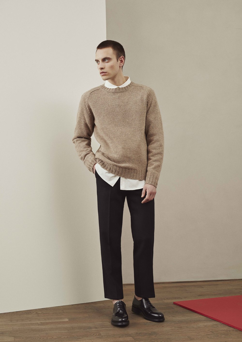 <b>8</b><br>Nias Shetland Wool Jumper<br>Victor Cotton Shirt<br>Felix Highland Wool Pants