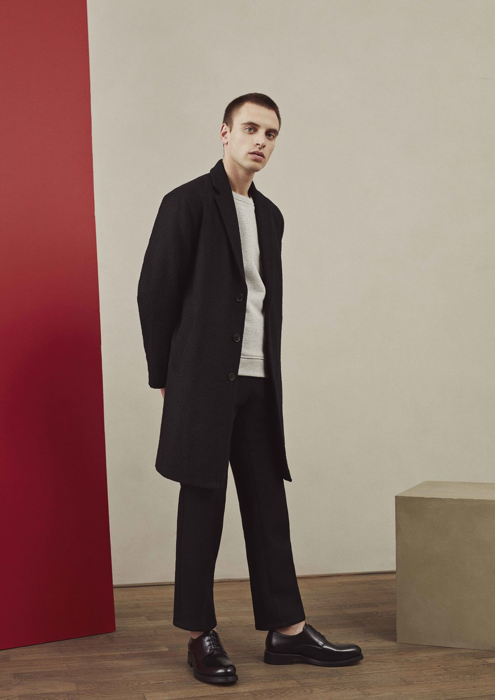 <b>9</b><br>Anton Textured Wool Coat<br>Leonard Sweatshirt<br>Felix Highland Wool Pants