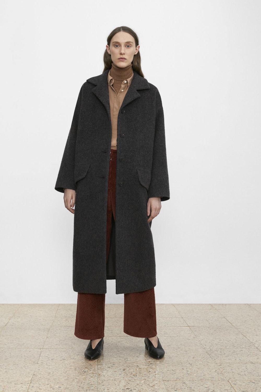 <b>10</b><br>Selah Melange Coat<br>Amina Poplin Shirt <br>Tatum Wool Turtleneck<br>Jane Corduroy Pants