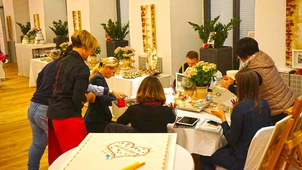 Loveside-Hochzeitsmesse-im-Zürcher-Unterland-Zürich-Schweiz-Beratung.jpg