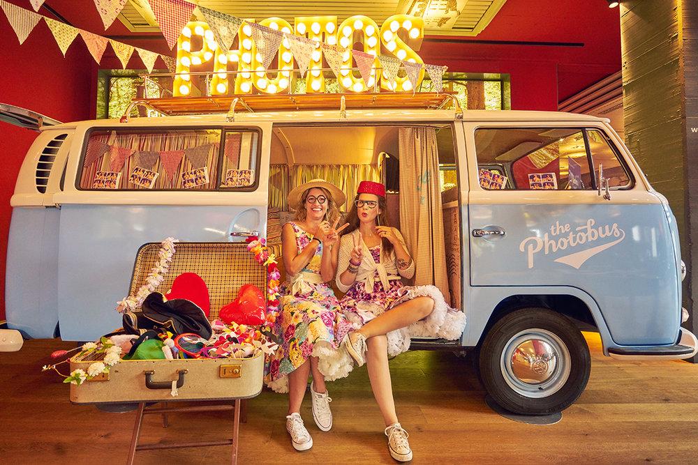 Loveside-Hochzeitsmesse-im-Zürcher-Unterland-Zürich-Schweiz-tolle-Photobus.jpg