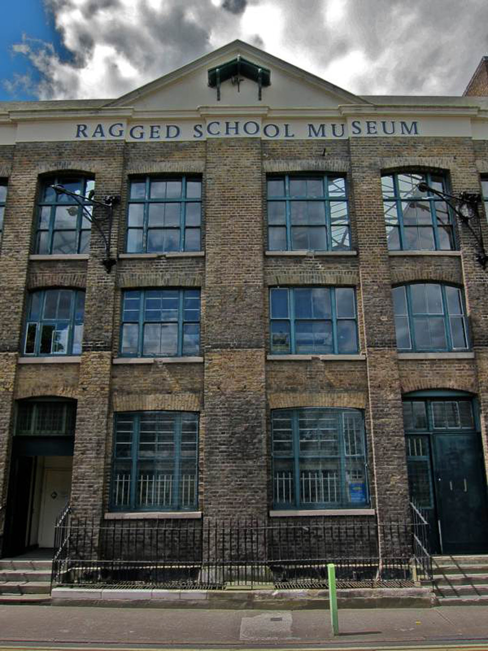 Ragged School 06.jpg