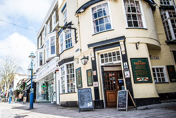 The Red Lion - A busy pub in the heart of Ramsgate town centre. A good selection of local cask ale.1 King Street, Ramsgate, CT11 8NNTel: 01843 586 713redlion@thorleytaverns.co.ukwww.redlionramsgate.co.ukCask Ales | Live Sport | Live Music | Wheelchair Access
