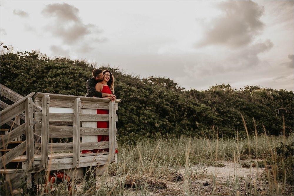 JohnDMacArthur-Beach-State-Park-engagement-photographer_0013.jpg