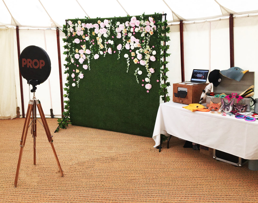 Prop Photo Gif Booth London Affordable Wedding Advice
