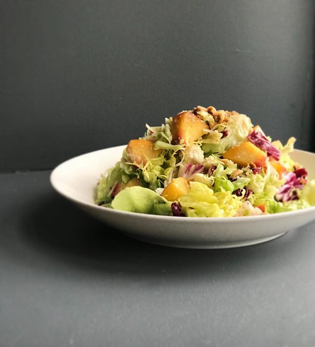 Lettuce eat together! 🥗 Come in tonight for dinner service, and enjoy our mixed lettuce salad topped with feta, hazelnuts & peaches.🍑 Happy Hour 4:30-6:30 PM 🥂 Dinner begins at 5 PM 🍽